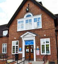 Teddington Memorial Hospital.jpg